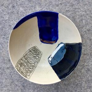 Keramická miska dekorovaná striebrom