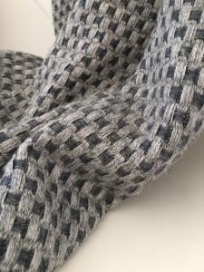 Kašmírová deka + vzor šedo-čierna