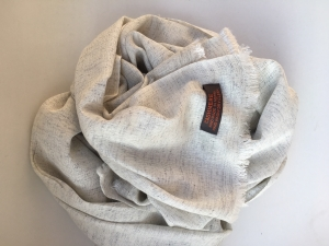 Kašmírový šál s hodvábom bledošedý
