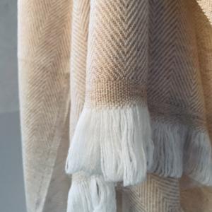 Kašmírová deka bielo-ťavia