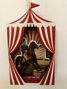 Dreveny domček cirkus