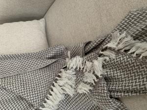 Kašmírová deka šedo-hnedá M