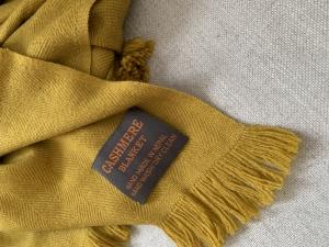 Kašmírová deka okrová