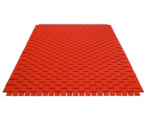 Vlnený koberec červený
