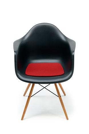 sed k na eames plastic armchair sunix kvetin e. Black Bedroom Furniture Sets. Home Design Ideas